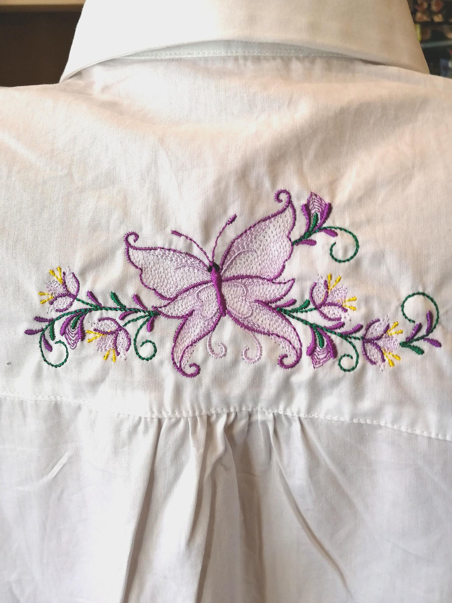 Poza cu Camasa brodata fluture
