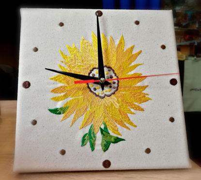 Poza cu Ceas Brodat Floarea Soarelui